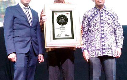 Polytron Raih Platinum di Indonesia Best Brand Award 2017