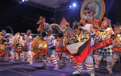 SANUR VILLAGE FESTIVAL KE XIII Mandala Giri Sebagai Orientasi Spiritual dan Kultural