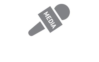 Penyiar Mewawancarai Tamu (Andy Rustam)