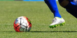 kaki sepak bola