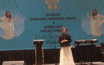 """Dinda Claudia Alvian Merilis Single Religi """"Cermin"""""""